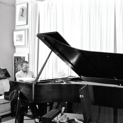 https://www.steinway.com/news/features/don-shirley-green-book